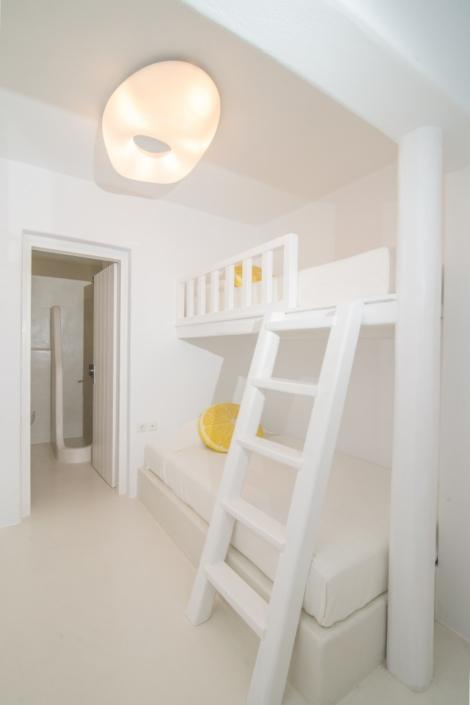 Bedroom with bunk beds & bathroom en suite